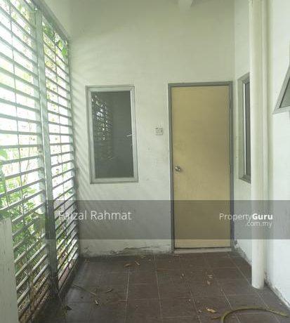 RUMAH-GATTED-END-LOT-UNIT-di-Tanan-Desa-Mas-Rawang-Rawang-Malaysia (6)
